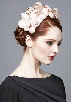 R1771 - Apricot straw pansy headdress with crystals