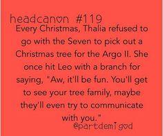 Head canon fangirls Percy Jackson