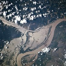 Selva inundable, riparia o de várzea, es la selva situada en llanura aluvial que se inunda estacionalmente con la crecida de los...