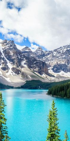 Moraine Lake in Banff National Park! 10 Amazing Things To See And Do In Alberta, Canada! Visit Jasper National Park | Columbia Icefields | Banff National Park | Lake Abraham | Lake Louise | Peyto Lake and so much more!