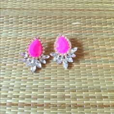 🆕 PRETTY PINK CRYSTAL EARRINGS 🆕 Pretty, pink, crystal, water drop earrings. Pop any outfit with these bright pink, updated version of an classic. Great bridesmaid/graduation/birthday/host/holiday gift. Imported, crystals/alloy metal/nickel/lead free. Avoid chemical contact/bathing. Reasonable offers/bundles welcome. 5% off 2items/10% off 3 or more items, just ask. My environment is clean/organized/pet/smoke free. Please make any inquires, all sales are final on PM. Thank you for shopping…