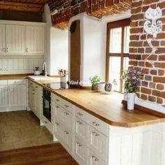 #kuchyn #kitchen #design #interier #venkovska #drevo Hledáte inspiraci na  bydlení? Na InHaus.cz najdete jak inspirace na nové bydlení tak krásné produkty.