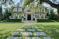 N. Lindhurst residence, Dallas. Rosewood Custom Builders. | Georgiana Design | Bloglovin'