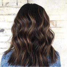 17 Stunning Examples of Balayage Dark Hair Color - Style My Hairs Subtle Balayage Brunette, Balayage Hair, Subtle Ombre Hair, Great Hair, Looks Style, Pretty Hairstyles, Brunette Hairstyles, Hair Highlights, Fall Hair