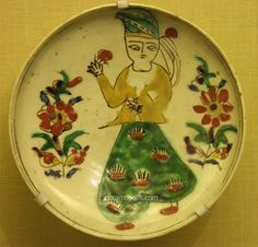 Organizers of travel and ceramics excursions around the world. Turkish Tiles, Turkish Art, Ceramic Pottery, Ceramic Art, Hand Painted Plates, Decorative Plates, Middle Eastern Art, Museum, Istanbul Turkey