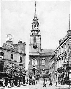 Crown, Clerkenwell Green - circa 1900 London History, Tudor History, British History, Asian History, London Pictures, London Photos, Vintage London, Old London, Pictures Of England