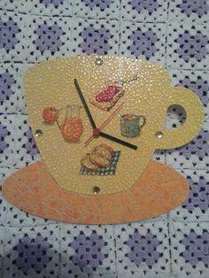 0df46d20f3a relogio de parede em mosaico de casca de ovo e decoupagem