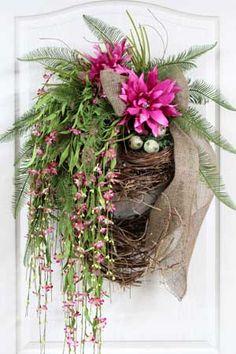 Wildflower Wreath, Bird Nest, Spring Wreath! Beautiful Handmade Wreath!