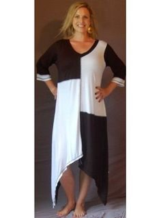PRE-ORDER - Color Block Jersey Maxi Dress with 3/4 Sleeves (Black White)