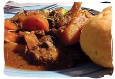 The South African food scene offers a fascinating variety of delicious dishes. Join us on an exciting South Africa food safari. South African Dishes, South African Recipes, Ethnic Recipes, Vegetable Stew, Pasta Salad Recipes, White Meat, Gf Recipes, International Recipes, Tasty Dishes