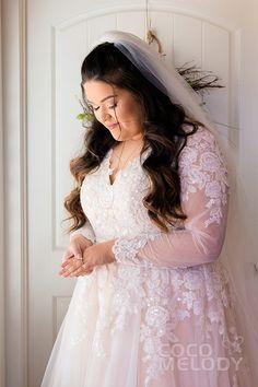 6 Beautiful Wedding Dress Trends in 2020 Plus Wedding Dresses, Luxury Wedding Dress, Formal Dresses For Weddings, Wedding Dress Trends, Plus Size Wedding, Tulle Wedding, Bridal Dresses, Maxi Dresses, Dream Wedding