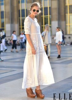 """elle: """" Street Chic: Paris See more of where this came from! Photo: Courtney D'Alesio """""""