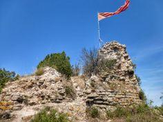 Cosetano: Castillo y Ermita de Sant Miquel de Montclar