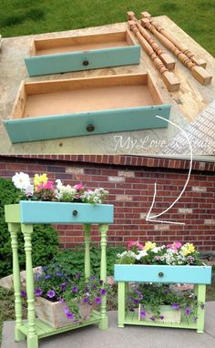40 Awesome Makeovers: Clever Ways With Tutorials to Repurpose Old Furniture 21 Old Drawers Turned Into Porch Planters Diy Wood Projects, Furniture Projects, Wood Crafts, Diy Furniture, Furniture Stores, Western Furniture, Affordable Furniture, Rustic Furniture, Furniture Design