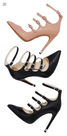 El calzado con multitiras estiliza tus pies y te da un toque ultra #femenino.