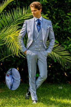 Blue houndstooth Italian short tail suit #groom #suit #wedding #luxury #menswear #madeinitaly