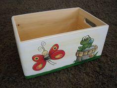 Schmetterling Spielzeugkiste aus Holz klein von Piddys Workshop auf DaWanda.com