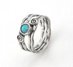 Super cute opal ring. I love how blue opal pops!