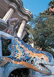 スペインの世界遺産 ガウディの建造物-バルセロナのグエル公園、グエル邸とカサ・ミラ