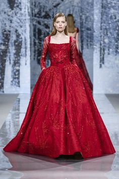 Ziad Nakad Fall 2017 Couture Fashion Show - The Impression Style Couture, Haute Couture Fashion, Elegant Dresses, Nice Dresses, Red Frock, Red Evening Gowns, Fairy Dress, Luxury Dress, Formal Gowns