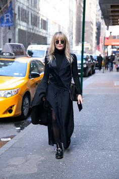 BROOKE TESTONI, CHLOE, DION LEE, UNIQLO, COS COAT, BLACKBERRY, GIVENCHY, PERSONAL STYLE, STREET STYLE, BLOG, FASHION