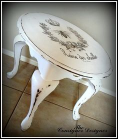 Decorate your home with Shabby Chic – Home Decor Do It Yourself Diy Furniture Table, Chalk Paint Furniture, Hand Painted Furniture, French Furniture, Shabby Chic Furniture, Furniture Projects, Furniture Makeover, Vintage Furniture, Furniture Nyc