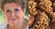 Η Βέφα αποκαλύπτει τα 8 μυστικά για τα πιο τέλεια μελομακάρονα Tiramisu Cheesecake, Greek Sweets, Christmas Deserts, Xmas Food, Sweets Cake, Peanut Butter Cookies, Dog Food Recipes, Xmas Recipes, Greek Recipes