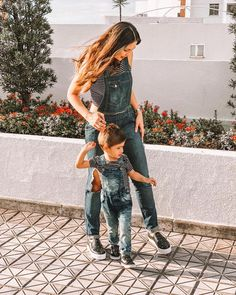 Mother Son Matching Outfits, Mom And Son Outfits, Mother Daughter Outfits, Little Boy Outfits, Little Girl Dresses, Cute Outfits, Baby Boy Fashion, Kids Fashion, Fashion Outfits