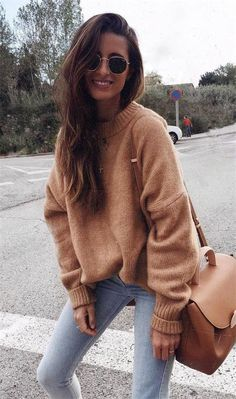14 Glamorous Sweaters You'll Want to Wear Every Single Day # sweater Outfits 14 Glamorous Sweaters You'll Want to Wear Every Single Day - Binezr Cute Winter Outfits, Winter Fashion Outfits, Look Fashion, Stylish Outfits, Fall Outfits, Autumn Fashion, Winter Clothes, Winter Fashion Women, Dressy Outfits