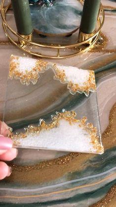 Epoxy Resin Art, Diy Resin Art, Diy Resin Crafts, Diy Arts And Crafts, Creative Crafts, Diy Resin Coasters, Diy Resin Keychain, Diy Resin Crystals, Coaster Design