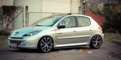 Peugeot 207+ #peugeot207 #peugeot #207 #coches #compactos Peugeot 207, Fiat, Custom Cars, Cars And Motorcycles, Bmw, Vehicles, Madness, French, Check