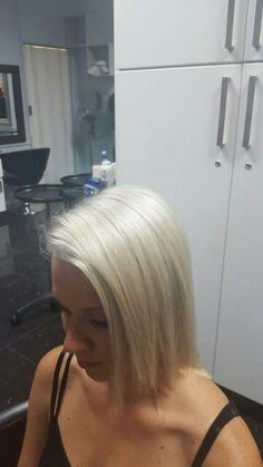Platinum blonde Me