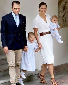 Solliden july2016 #kronprinsessan #kronprinsessanvictoria #crownprincess #crownprincessvictoria #victoria #prinsessanestelle #estelle #prinsdaniel #princedaniel #daniel #prinsoscar #princeoscar #oscar #sweden #swedishroyals #swedishroyalfamily #kungahuset #kungafamiljen #kungligbaby #princess #prinsessa #sweetprincess #littleprincess #lillaprinsessan #family #famille #família #schweden #royals