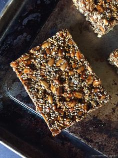 Sunflower and Chia Seed Bars: These sweet and lightly crunchy sunflower and chia seed bars make a wonderful breakfast bar power bar or lunchbox treat (theyre nut-free vegan gluten-free paleo and oil-free). Gluten Free Baking Mix, Vegan Baking, Vegan Desserts, Vegan Recipes, Dessert Recipes, Chia Seed Recipes Vegan, Vegan Meals, Healthy Protein Snacks, Healthy Lunches