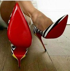 Sexy Stilettos for men & women in small & large sizes. Boots & Shoes available in UK size 3 to Wide selection of colours & styles. Buy sexy shoes here. Women's Shoes, Mode Shoes, Fab Shoes, Pretty Shoes, Beautiful Shoes, Me Too Shoes, Shoe Boots, Christian Louboutin, Pumps Heels
