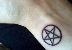 Pentacle tattoo on wrist Pentacle Tattoo, Pagan Tattoo, Witch Tattoo, Wiccan Tattoos, Celtic Tattoos, Symbolic Tattoos, Star Tattoos, Hot Tattoos, Body Art Tattoos