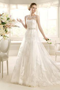 2013 Wedding Dresses A Line Scoop Court Train Tulle