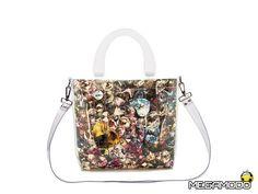 Bi-Bag, marchio italiano specializzato in borse e bijoux unici e personalizzabili, in vista del capodanno ha dato vita a delle borse dal design