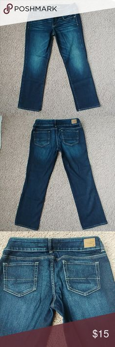 """American Eagle Artist Crop Jean Great Condition. Slight signs of wear from normal use. American Eagle Stretch Crop Jeans. These can be worn rolled up too. 99% Cotton 1% Spandex. These have a 25"""" inseam. Size 10 regular American Eagle Outfitters Jeans Ankle & Cropped"""