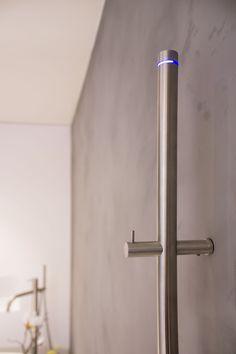 RVS elektrische handdoekradiator #badkamerstudio #badkamerstudiobreda #badkamerstudioutrecht