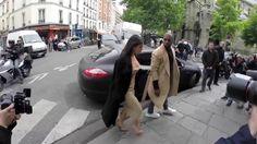 Kanye West proteje a Kim Kardashian de las preguntas antes de su suntuosa boda