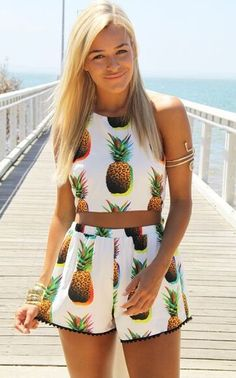 Cute Pineapple Print Crop Top Shorts Two Pieces