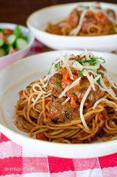 Spaghetti and Meatballs | Slimming Eats - Slimming World Recipes (I need to start making meatballs but since I have Swedish ones in we will have to use those - homemade tomato sauce though) - Friday