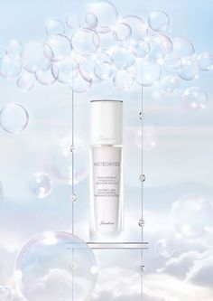 The Beauty News: Guerlain Meteorites Oxygen Care Moisturizer & Radiance Booster I am obsessed with this product and it smells divine! Beauty Ad, Beauty Shots, Beauty Make Up, Beauty News, Beauty Secrets, Still Photography, Beauty Photography, Anti Aging, Cosmetic Design