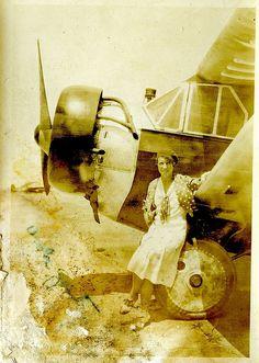 female pilot 1930s
