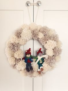 Winter wonderland pom-pom wreath – twineandtable