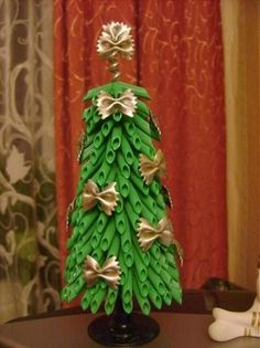 diy tabletop christmas tree green pasta gold bow tie pasta ribbons