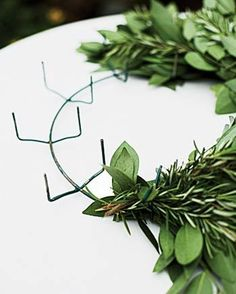 ez clamp 10 wreath frame green wreaths wire wreath and clamp - Wire Wreath Frame Wholesale