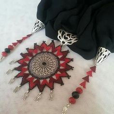 This post was discovered by Ayten Kocabaş Özcan. Discover (and save!) your own Posts on Unirazi. Best T Shirt Designs, Point Lace, Scarf Jewelry, Crochet Art, Needle Lace, Beaded Ornaments, Crochet Accessories, Needlepoint, Diy And Crafts