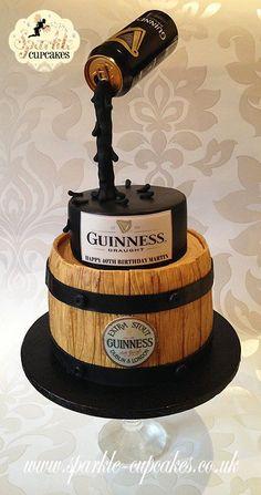 Quero um destes para o próximo aniversário sff !! :D Guinness Gravity Defying Cake